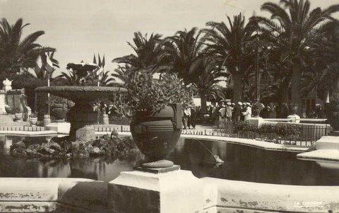 Années 40 - Les fontaines du square Milhe-Poutingon