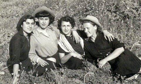 Quatre jolies filles de Rio : Constance et Maria Lopez, Pierrette et Juliette Sanchez